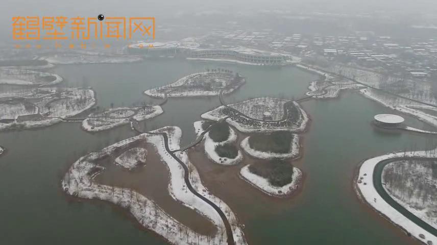 银装素裹——航拍雪后湿地公园