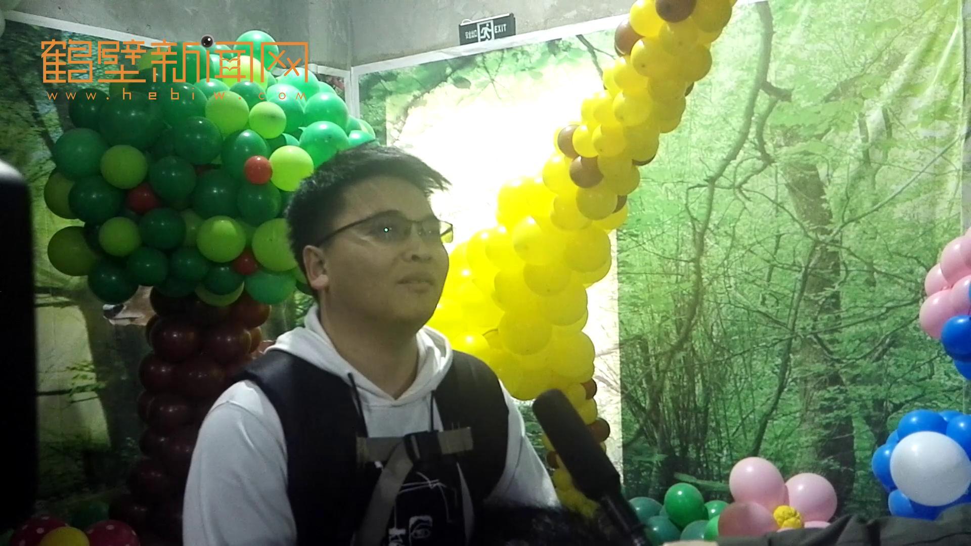 访央视春晚节目《旺旺年》熊猫扮演者罗国宝